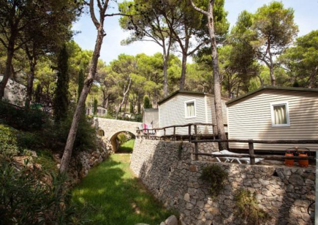 Castell-Montgri-1-vakantiehuisjes
