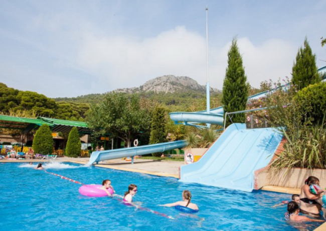 Castell-Montgri-1-zwembad