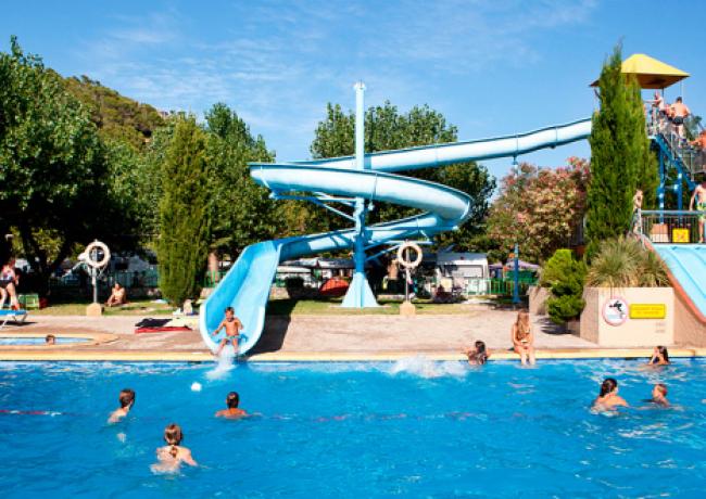Castell-Montgri-1-zwembad_01