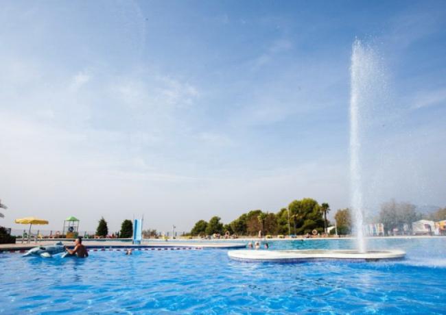 Castell-Montgri-4-zwembad